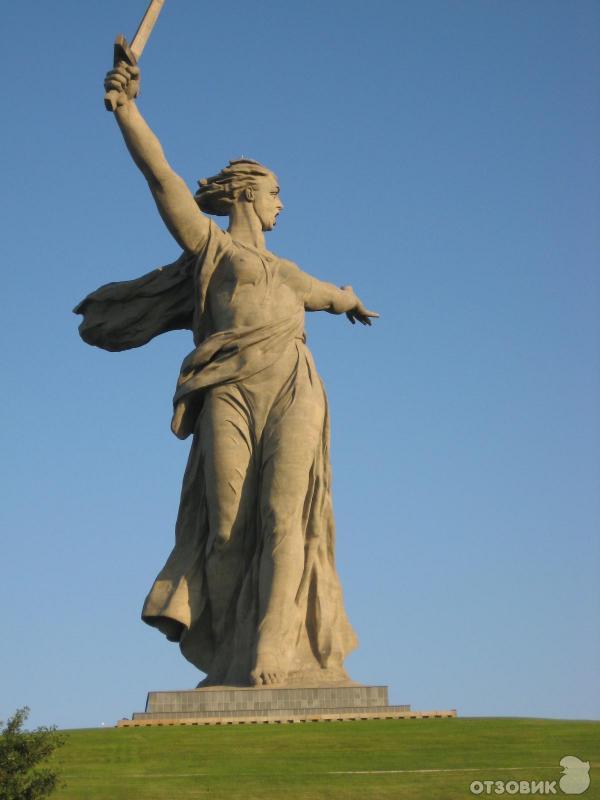 Памятник в волгограде авторские сталинградской битвы надгробные памятники вов из металла